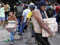 http://www.larazon.es/internacional/venezuela-entra-en-una-espiral-de-caos-y-miseria-IA14149405