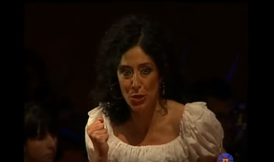 Final de la ópera Carmen de Bizet en Italia