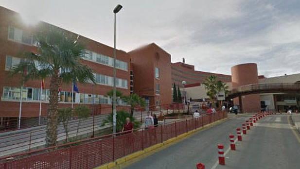Mujer asesina a su hijo de 4 años al lanzarse desde un 6º piso en Murcia