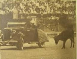 Víctor Carrasco, el rejoneador en coche