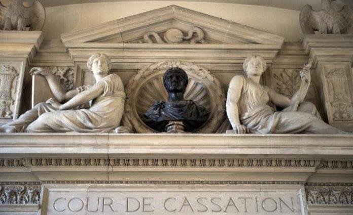 La Corte Suprema francesa prohíbe el género neutro