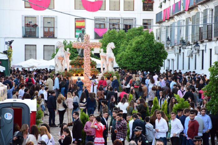 alcaldesa de Córdoba vive en su mundo