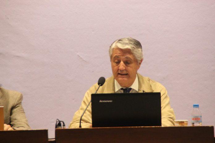 Profesor acosado, catalanes no son raza superior