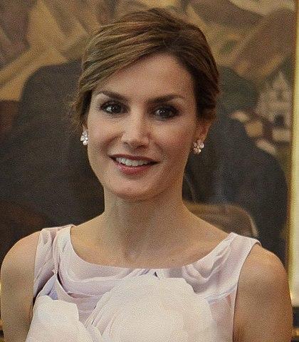 La Reina Letizia intentando humillar a Rajoy