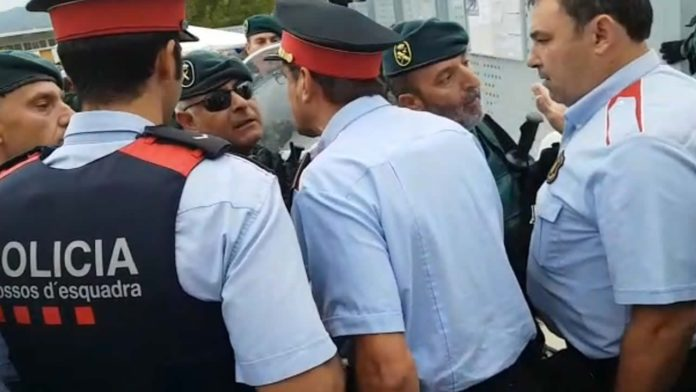 Pedro Sánchez sube el sueldo a los mossos