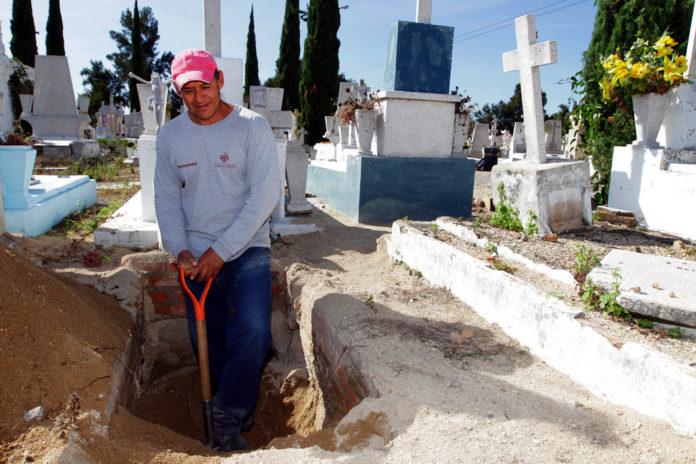 sepulturero