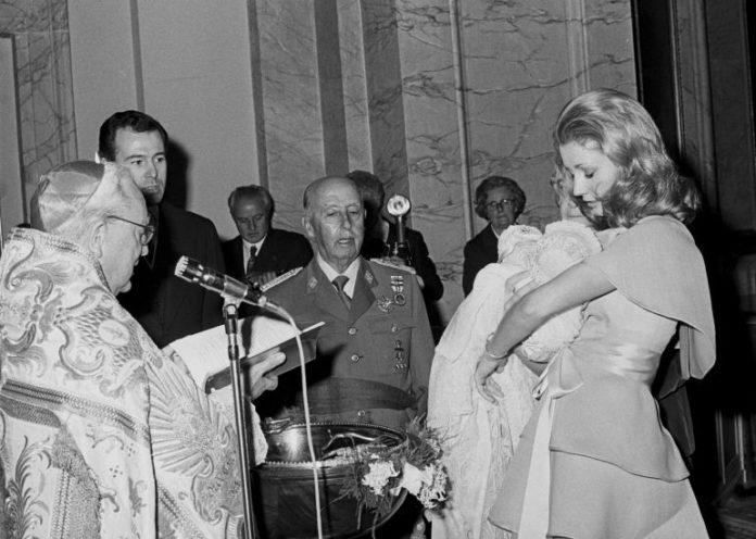 Luis Alfonso de Borbón la familia Franco persecución mediática