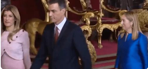 Pedro Sánchez y Begoña Gómez paletos recepción Reyes