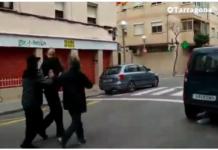 Borregos separatistas acosan e intentan agredir a un hombre en Tarragona
