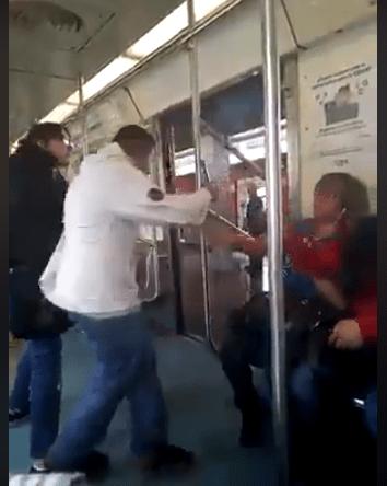 Mujer agrede y expulsa ciego vagón metro mujeres