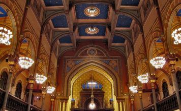 en las sinagogas de Estados Unidos se ha recordado a Franco