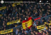 español valiente ondea la rojigualda en el Camp Nou