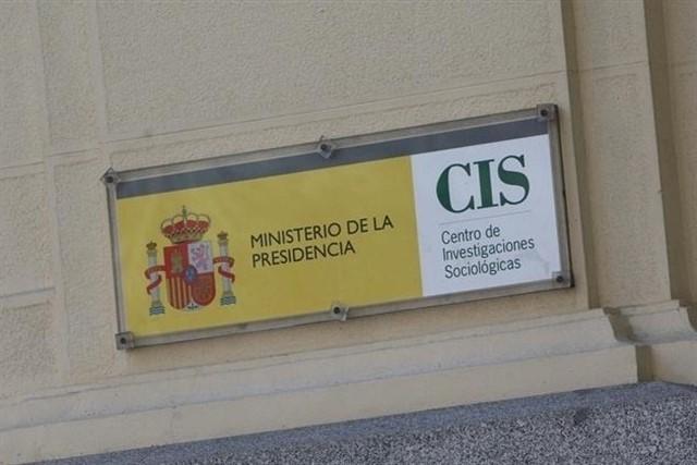 Adriana Lastra alaba el trabajo del CIS