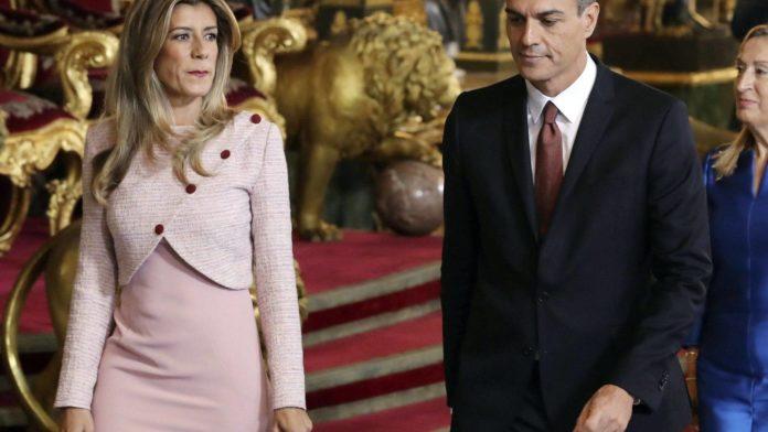 la mujer de Pedro Sánchez sigue yendo por el mundo de mujer del jefe