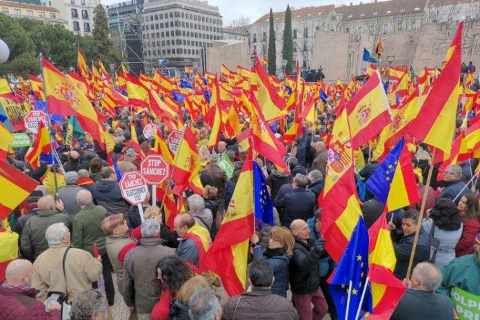 Hoy la España constitucional está en Colón