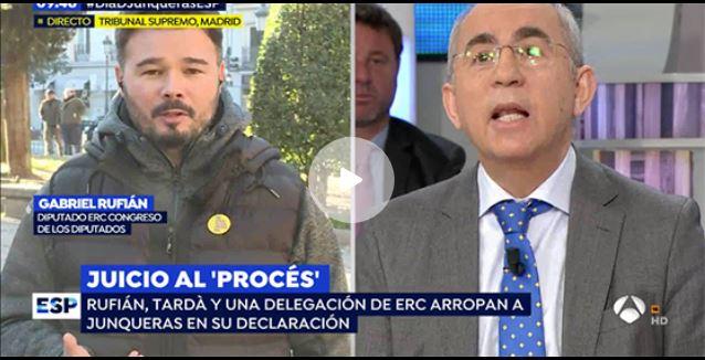 El director de El Mundo pone en su sitio a Gabriel Rufián