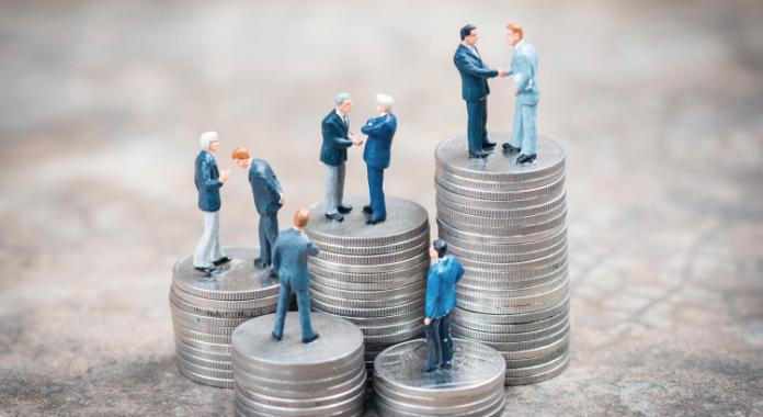 Salarios públicos y privados