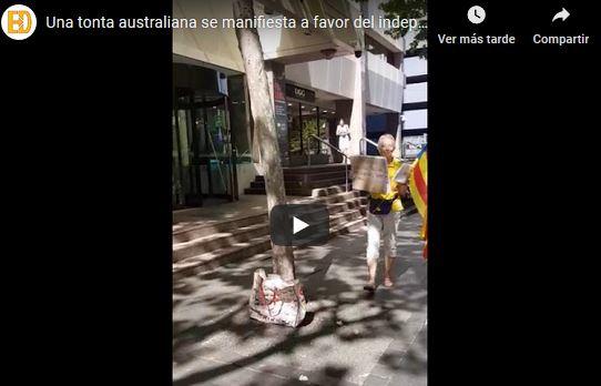 Una tonta australiana se manifiesta a favor del independentismo sin saber ni lo que hace