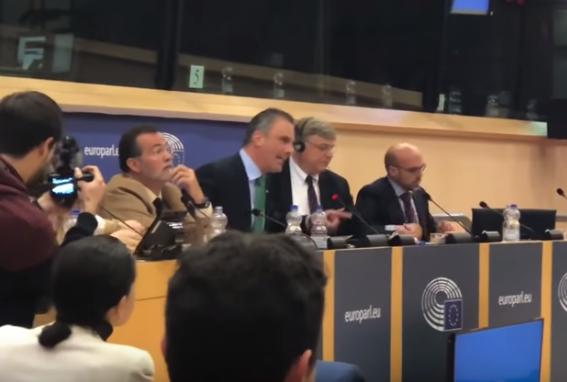 Ortega Smith separatista flamenco Puigdemont y Otegi