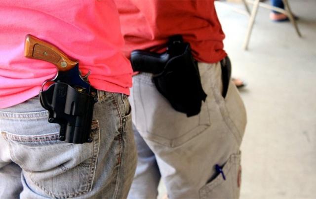 Estás de acuerdo con que se pueda portar armas libremente