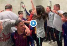 celebración del alevín del FC Barcelona que seguro molesta a la directiva y a más de un separata