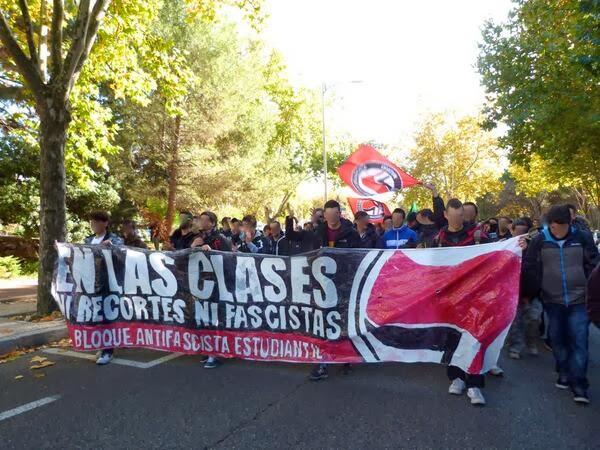 Fuera fascistas de la Universidad