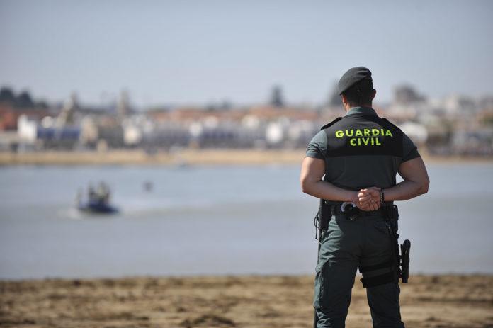 Asalto inmigrantes valla Ceuta 11 guardias civiles heridos