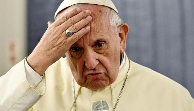 Alfonso Ussía pone fino al Papa
