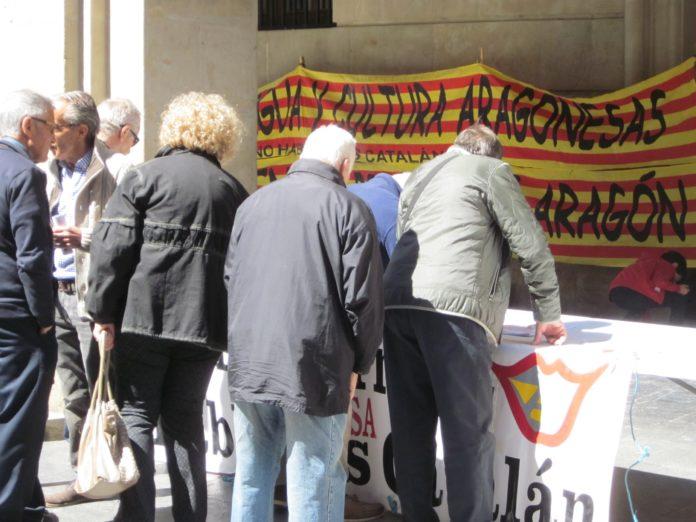 firmas en favor del aragonés