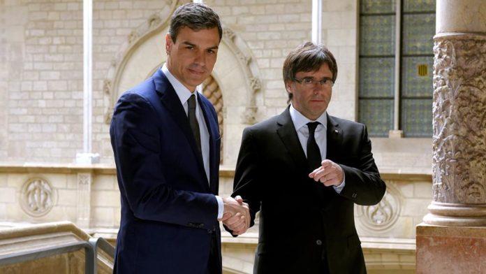 Fiscalía al lado de Puigdemont