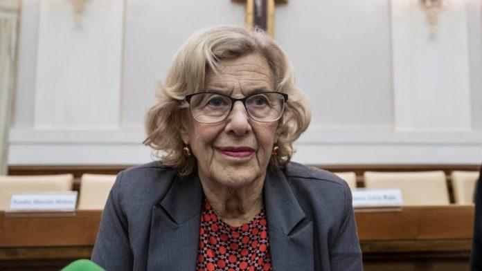 La herencia de Carmena: Ni manteros, ni okupas, se dedicó a perseguir a la Policía Municipal